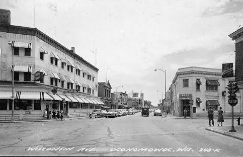 downtownoconomowoc1962